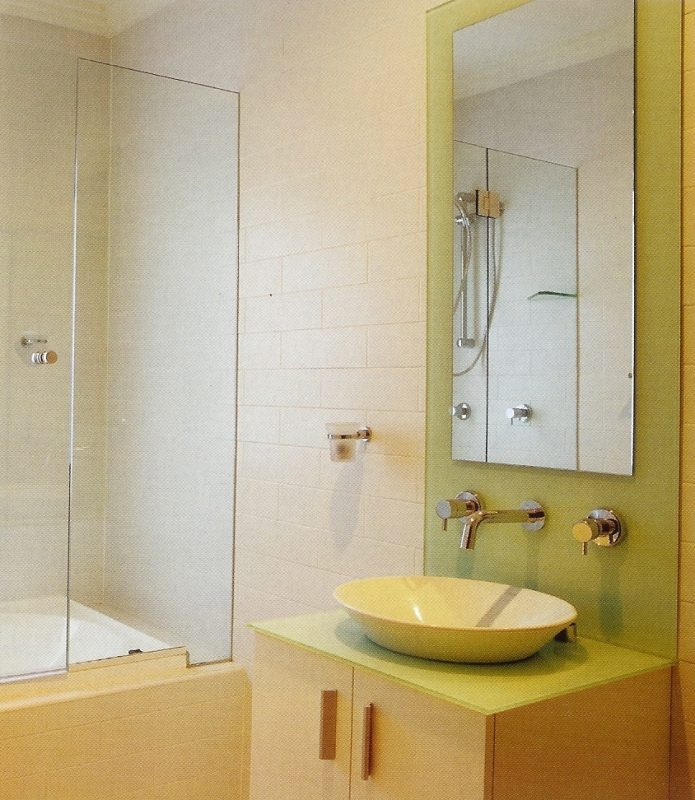 Frameless shower doors, glass doors, over-bath glass screens, glass panels, Sigmadoors, Johannesburg,